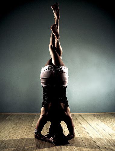 : Yoga Yogi, Inspiration, Headstand, Yoga Poses, Yogi Yogapose, Eagle Leg, Photo, Meditation Namaste, Asanas