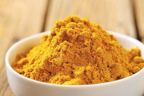 Kurkuma jest powszechnie stosowaną przyprawą w kuchni azjatyckiej, wchodzi ona między innymi w skład curry. Kurkuma est skutecznym przeciwutleniaczem.