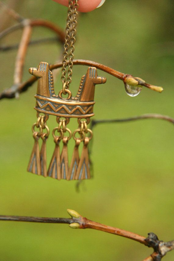 Vintage bronze pendant Kalevala Koru horses by Andolinaswishes, €63.50