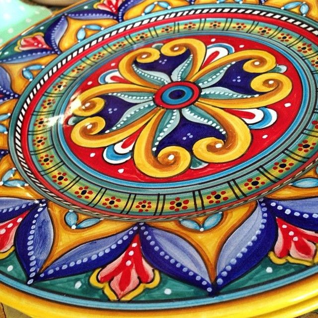 #sberna #art #pottery #ceramics #deruta #madeinitaly #love #handmade #handpainted #handcraft #colours #plate #colorful #drawing #fantasy #red #yellow #blue #green