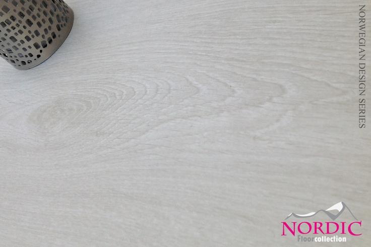 "Nyhet! Laminat Nordic Old Farm White Winter ""børstet"" - Norges Beste GulvDeal"