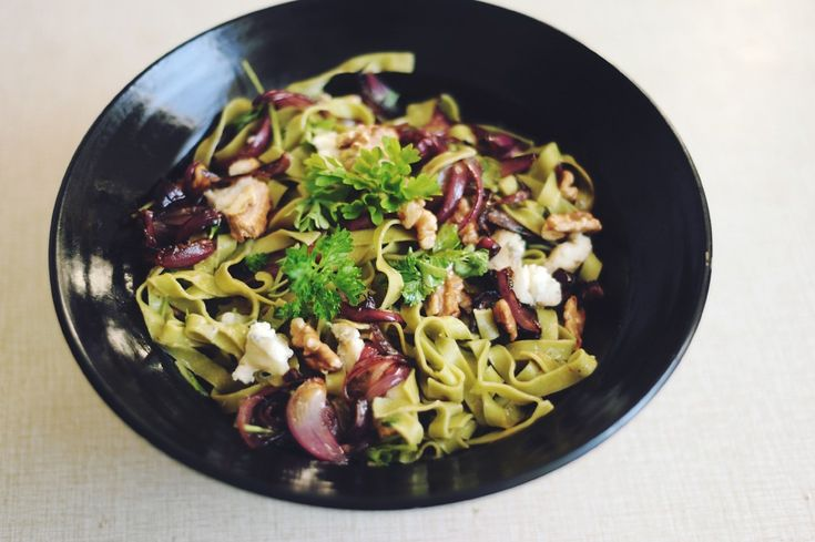 Flora Wiström  » Pasta with roasted red onions, walnuts and gorgonzola.