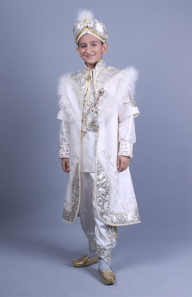 Tuğra krem altın kaftan sünnet kıyafeti http://sunnetcarsisi.com/kaftan-sunnet-kiyafetleri