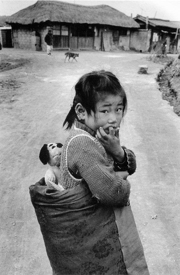 부천시 [Bucheon-si, 富川市] , Korea, 1976  사진 김기찬 (1938~ 2005)