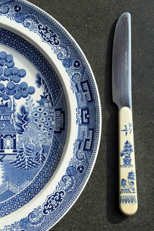 Wedgwood Willow Pattern plate and knife