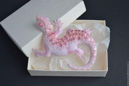 Броши ручной работы. Ярмарка Мастеров - ручная работа. Купить Авторская текстильная брошь Ящерица Pink Pastel. Handmade. текстиль
