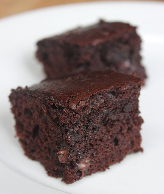 This 125-calorie slimmed-down brownie sheds over 150 calories from traditional recipes. These fluffy squares taste just as sinful — without any guilt.