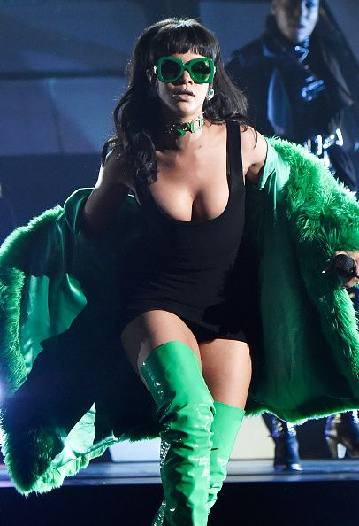 Rihanna channeled some PRETTY famous villains at the iHeartRadio Music Awards.