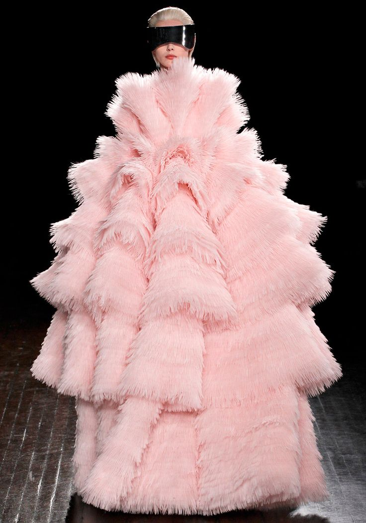 ALEXANDER McQUEEN !: Alexander Mcqueen, Mcqueen Fall, Cotton Candy, Paris Fashion Week, Alexandermcqueen, Fall 2012, Christmas Trees, Fall Winter, Feathers Good