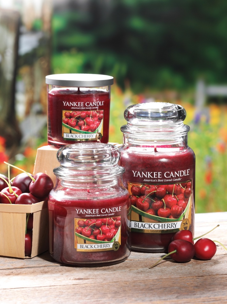 Yankee Candle Black Cherry - great scent!