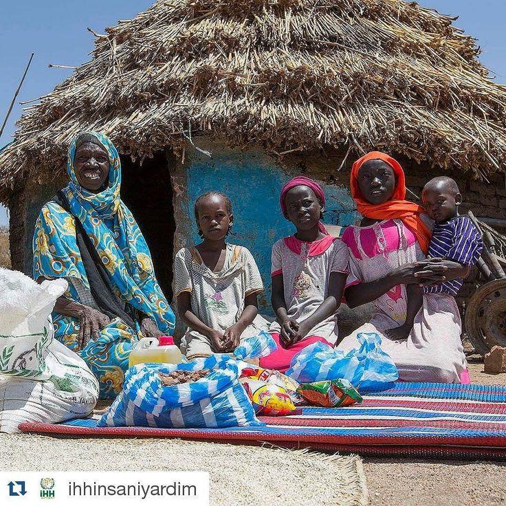 #Repost @ihhinsaniyardim with @repostapp  15 milyon göçmen halen yerleştirildikleri kamplarda küçücük barınaklarda yaşam mücadelesi veriyor.  Sudan 2015  #Göçmen #Immigrant #Mülteci #Refugee #Kamp #Camp #Barınak #Shelter #Refuge #Sudan #İHH  #multecihakder #human by multecihakder #masiva http://masiva.org
