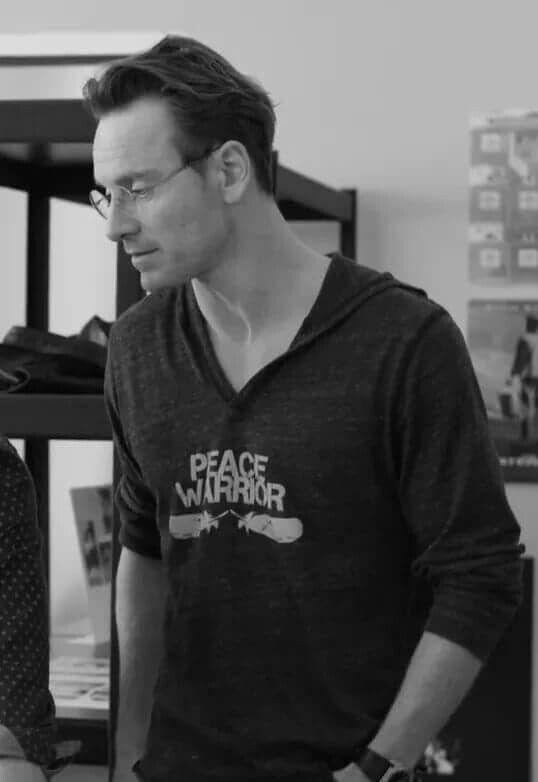 MICHAEL FASSBENDER #STEVEJOBS rude rude rude rude why are you so damn cuuuuteeee