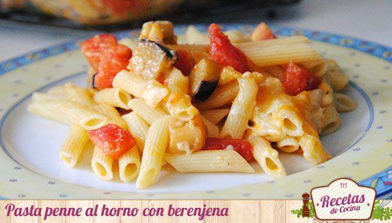 Pasta penne al horno con berenjena -  Originaria de la cocina italiana, la pasta penne se caracteriza por su forma cilíndrica y sus extremos oblicuamente cortados. Es el tipo de pasta que aquí conocemos como plumas y que tan bien absorbe los sabores de cualquier tipo de salsa con que se acompañe. La pasta es muy versátil y admite ca... - http://www.lasrecetascocina.com/2013/09/13/pasta-penne-al-horno-con-berenjena/
