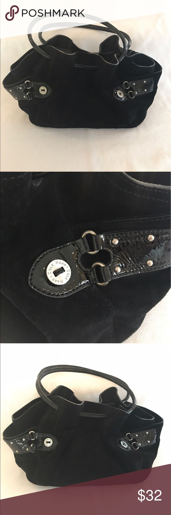 Cole Haan black pocketbook Original Cole Haan black pocketbook in great condition! Medium sized bag! Suede and patent leather. Cole Haan Bags Shoulder Bags