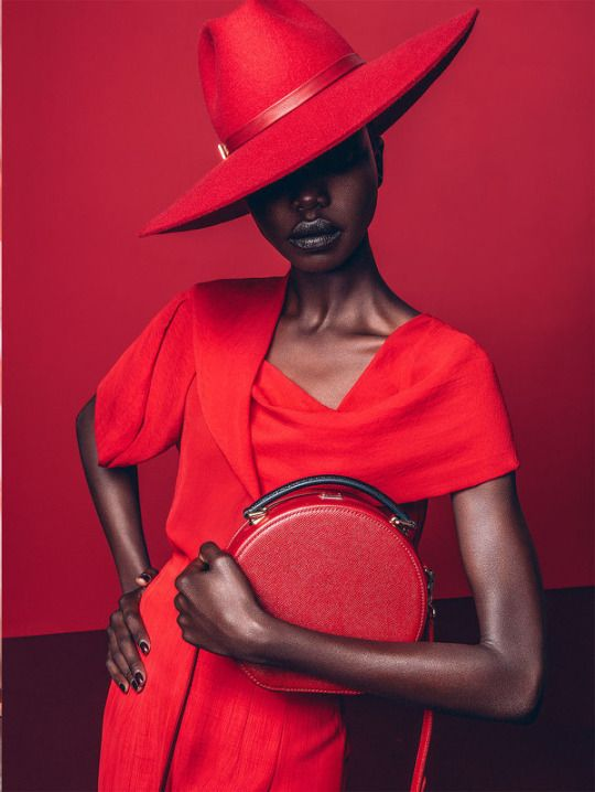 A stunning editorial for Marie Claire South Africa featuring model Nykhor Paul Looking Red Hot in ravishing all red high end looks. Fashion Moda, Red Fashion, African Fashion, Estilo Fashion, London Fashion, Fashion Beauty, Marie Claire, Poses, Moda Afro