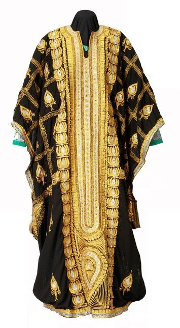 Object:Over dress Local name:Thob Place of origin:Saudi Arabia Region, group, style:Eastern Date of object:2006