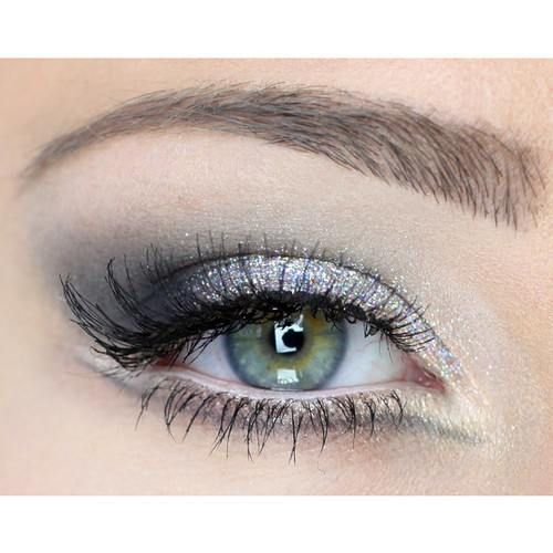 Silver glitter #eyes #eye #makeup #eyeshadow
