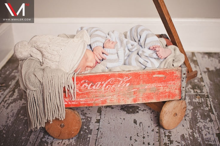 I love vintage props: Lainey Sue, Baby Pics, Pictures Stuff, Newborns Session, Photography Lainey, His Photography, Photography Stuff, Photos Props, Newborns Photography