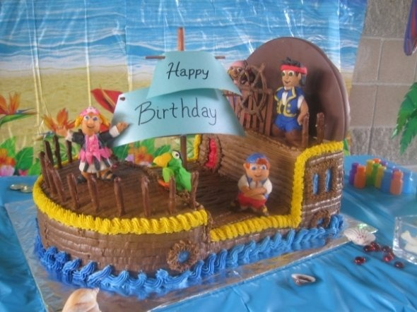 Fantastic pirate boat cake.  Picture via http://cakecentral.com/user/erica324