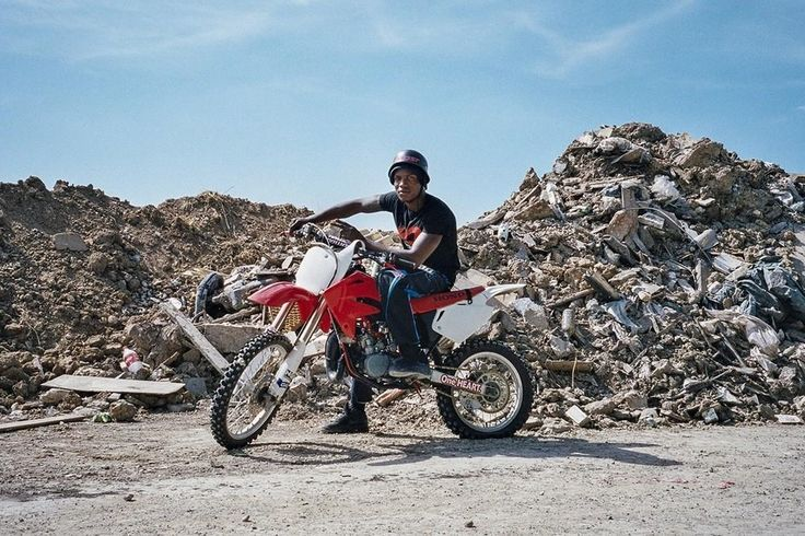 Photographing the Dirty Riderz Motorcross Crew of Paris | VICE | United States