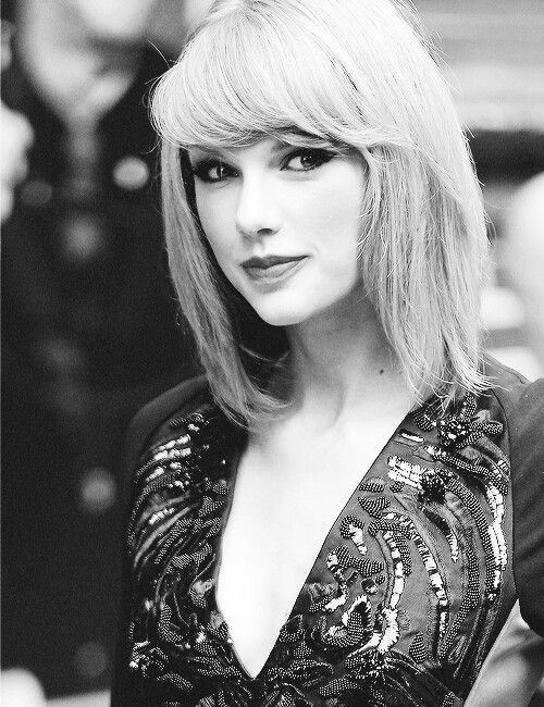 Taylor- PLEASE text me, katluvrswiftie17, thru direct messages here on Pinterest! I have texted u already and if u texted me back it would mean EVERYTHING to me!!!!