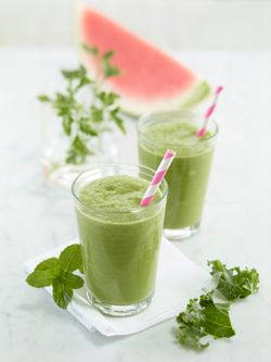 Super Green Detox Watermelon Smoothie #healthy #smoothie #client