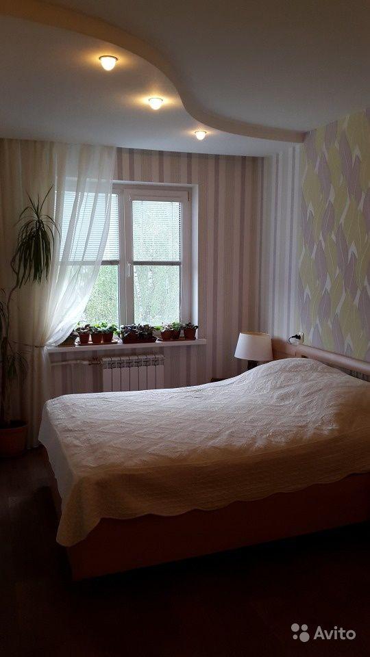 Продам 3-к квартиру 70  кв.м  на 4 этаже 5-эт. панельного дома за 2700000 руб. http://kovrov.city/wboard-view-8098.html  Квартира(Владпроект) в отличном состоянии.Спокойные соседи, теплый дом, благоустроенный район.В квартире сделан капитальный ремонт:-выровнены стены, полы, потолки-заменены электропроводка,система отопления и водоснабжения-окна ПВХ- лоджия (6 м )застеклена и благоустроена-ванна( с гидромассажем) и туалет в кафеле- в спальне и на лоджии остаются встроенные шкафы