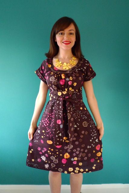 Apparently I need to start looking for patterns from the 70's. LOVE this dress. Filed for future inspiration...