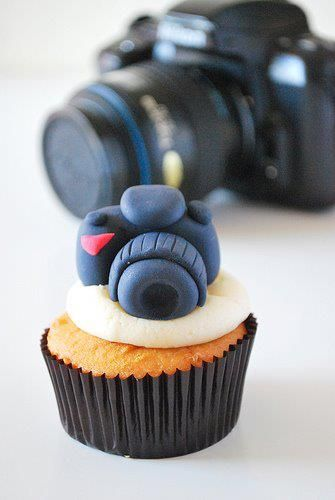 Canon Camera cupcakes. Learn how to create your own amazing cakes: www.mycakedecorating.co.za #cupcakes #baking #canon