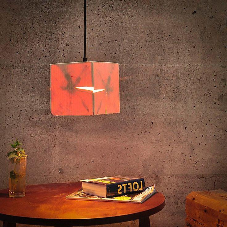 H1 kubische Hängeleuchte 14 x 14 cm aus Altholz / Braun  47348