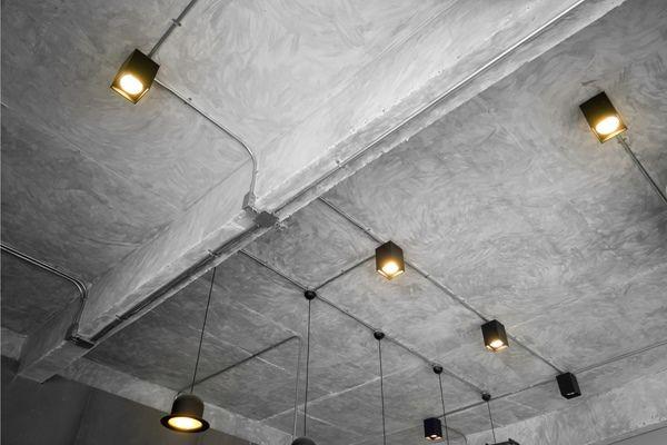 スケルトン天井のリノベーション Renovepress キッチンインテリアデザイン 天井 家の間取り