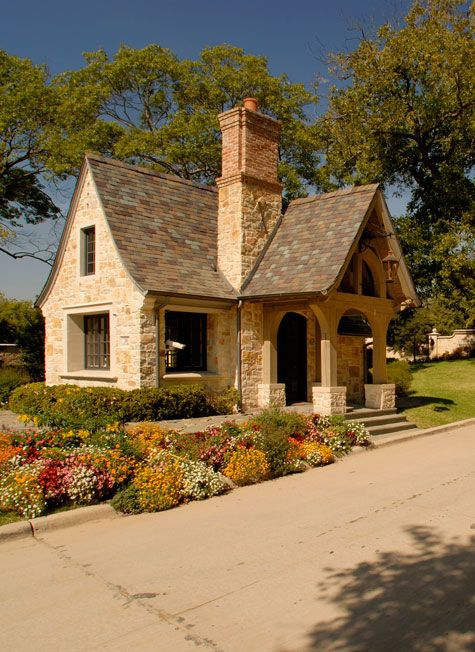 Tremendous 17 Best Ideas About Small Cottage Homes On Pinterest Cottages Largest Home Design Picture Inspirations Pitcheantrous