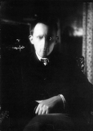 BLUR>> Stanislaw Ignacy Witkiewicz: Self Portrait, Zakopane, circa 1912. (from: Witkacy Metaphysical / Metaphysical Portraits / Photography by Stanislaw Ignacy Witkiewicz, 1997)