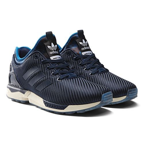 ADIDAS ZX FLUX ITALIA INDEPENDENT  Prezzo: 110,00€  Shop Online: http://www.aw-lab.com/shop/adidas-zx-flux-italia-independent-8019109