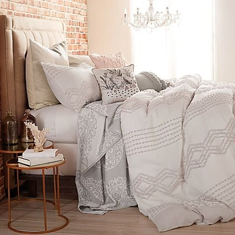 Update your sleep space in vintage flair with the addition of Peri Home's Cut Geo Duvet Cover. Adorned with a tufted geometric jacquard against lavish cotton fabric, this classic bedding creates a stylish focal point cozy enough to doze off in.