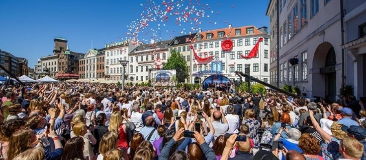 More awesome global news coverage of the recent grand opening of the Church of Scientology Copenhagen! View the event slideshow and story on our site! http://qoo.ly/fia83