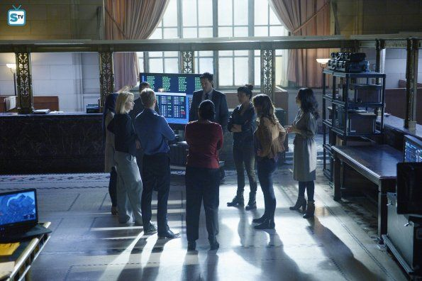 "#Quantico 1x10 ""Quantico"" - Miranda, Caleb, Shelby, Raina, Simon, Liam, Alex, Nimah and Natalie"