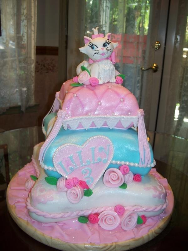104 best Disneys Aristocats Cakes images on Pinterest Cat cakes
