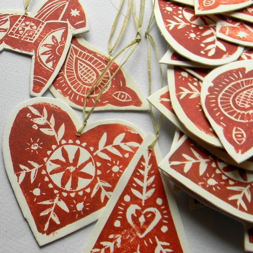 Lino print tree decorations with Scandinavian style from Mangle Prints #scandinavian #christmas #red #white #linoprint