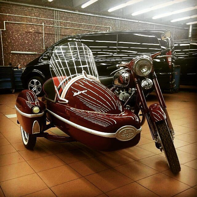 Jawa 350cc 1972 Repost @alex.dyakov #jawa #jawamotorcycles.com#jawamotorcycles #jawayezdi #idealjawa#2stroke #bikersofinstagram #bikeswithoutlimits #bikestagram #bikers #bikelife #bikeride #bikeporn #bikergang #motorcycles #yezdi #retro #czech #vintage #vintagebike #india #motocross #motorsport #motorbike #czechoslovakia