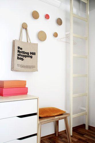 ber ideen zu garderobe mit sitzbank auf pinterest truhenbank gew rzregal holz und truhe. Black Bedroom Furniture Sets. Home Design Ideas