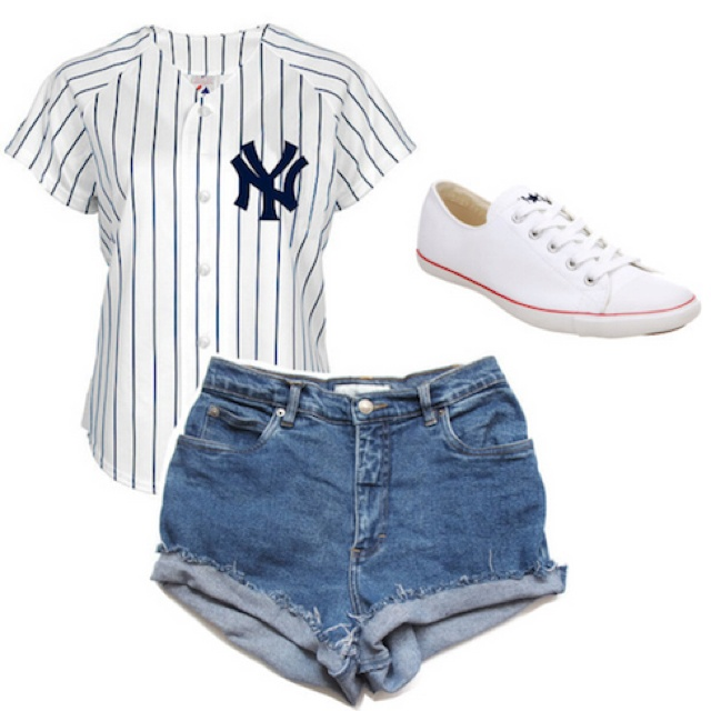 .high waisted shorts with white converse and a New York Yankees jersey