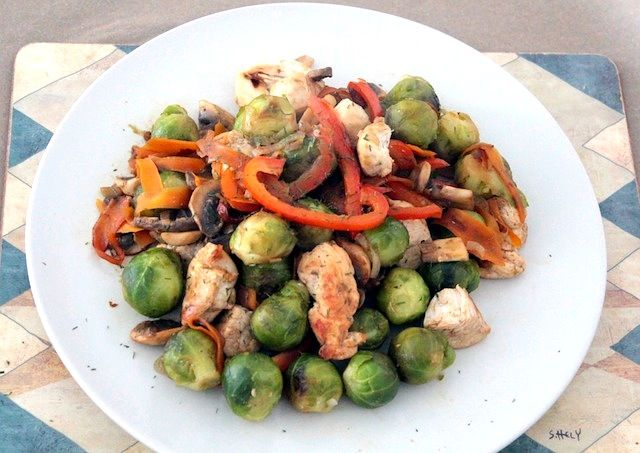 Chicken with Brussels Sprouts and Champignons