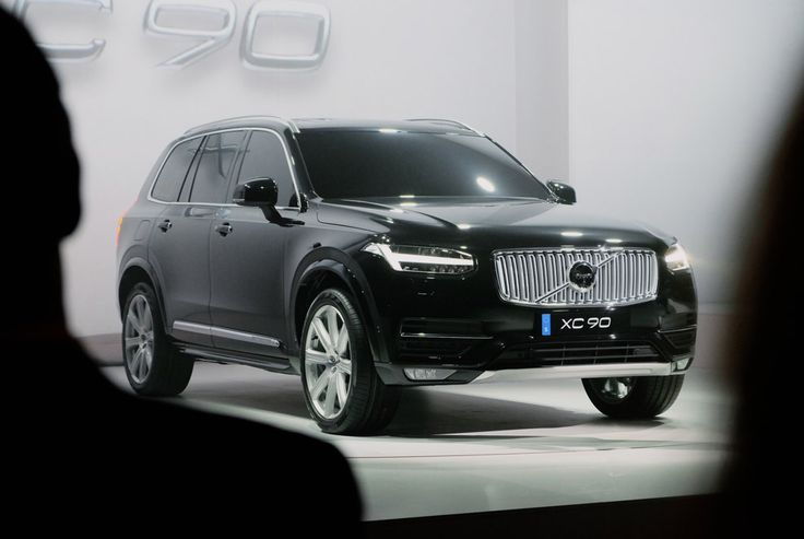 We meet the 2016 Volvo XC90 -- the face of the new Volvo right down to the new, getting-down-to-business logo.