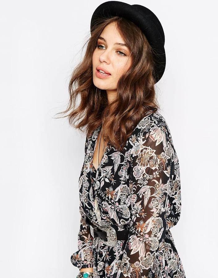 €49, Sombrero de Lana Negro de Catarzi. De Asos. Detalles: https://lookastic.com/women/shop_items/200940/redirect