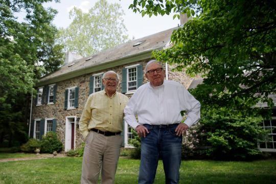 'Padre' e 'hijo' se casan después de 52 años de relación - Yahoo Noticias