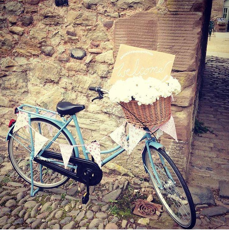 'Welcome to our wedding' bike #vintage #wedderburnbarns #wedderburncastle #scottishwedding