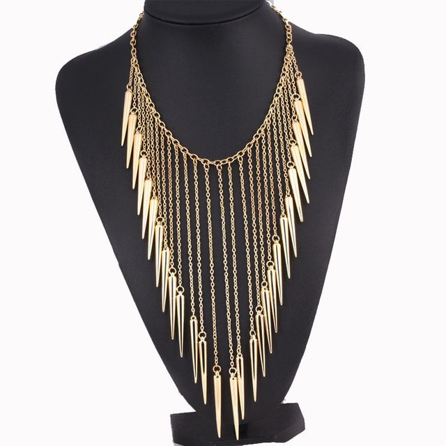 2017 nova europa e américa moda punk rebite de metal borla colar longo corrente de ouro do vintage choker colares para as mulheres