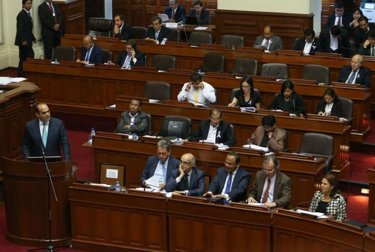 Aumento de sueldo para maestros está incluido en Presupuesto 2017, informó el Presidente del Consejo de Ministros, Fernando Zavala [VIDEO]
