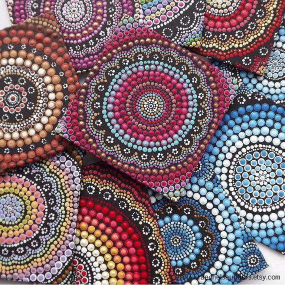 Pittura di arte aborigena Dot Fire Design da Biripi artista
